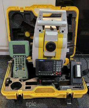 Geomax Zoom 80 R5 A10 Total station